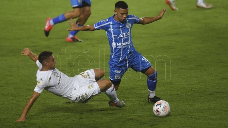 Godoy Cruz sorprendió a Racing a puro gol en Avellaneda
