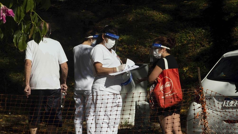 En Quilmes, muchos vecinos se presentaron en el hospital local.