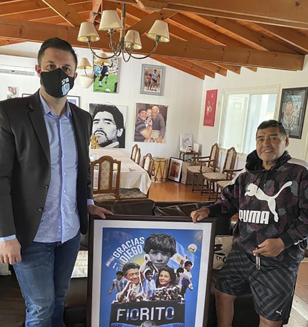 Morla y Diego durante la pandemia en el country donde en noviembre de 2020 falleció.