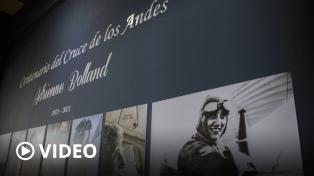 Estampilla conmemorativa y vuelos tripulados por mujeres para celebrar a Adrienne Bolland
