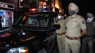 India decretó el toque de queda nocturno en su capital por un avance del coronavirus