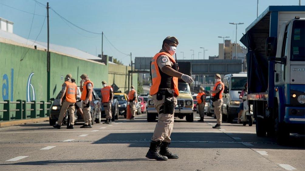 Los puntos de control vehicular que rigen por las nuevas medidas de  circulación - Télam - Agencia Nacional de Noticias