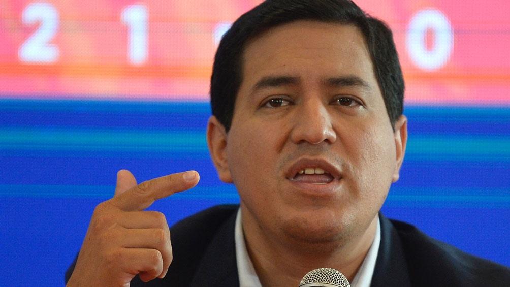 """""""Inyectar mil millones de dólares en la economía, mil dólares por familia a un millón de familias ecuatorianas"""" es una de las propuestas de Andrés Arauz"""