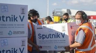 Comenzó en Moscú la carga de una nueva partida de vacunas Sputnik V