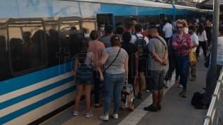 """Marinucci: """"Quien no tenga certificado de circulación o la reserva no sube al tren"""""""