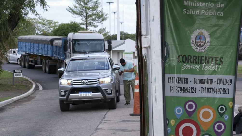 La reciente autorización establece que el paso libre será para aquellas personas que acrediten en su DNI tener domicilio en Corrientes Capital