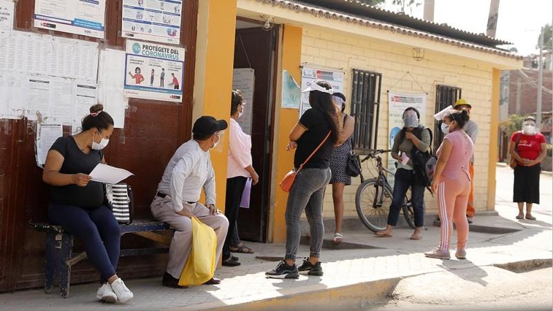 Perú prorrogó las medidas contra el coronavirus a dos días de las elecciones