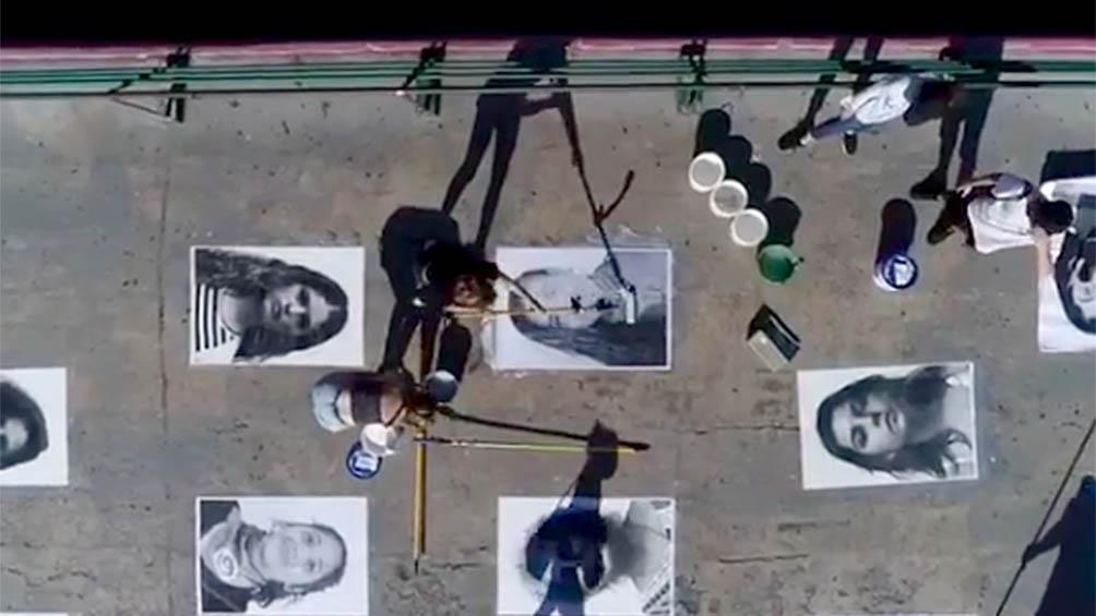 """""""Nuestras miradas"""" intervención artística en un puente en Recoleta."""
