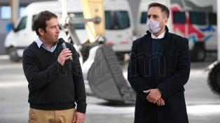 Cabandié entregó maquinaria para el tratamiento de residuos sólidos urbanos