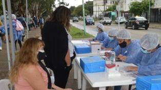Retoman la búsqueda casa por casa de personas con síntomas de coronavirus