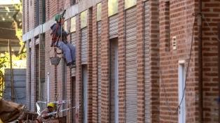 """El Gobierno invertirá $ 110.000 millones para terminar viviendas """"abandonadas"""" por el macrismo"""