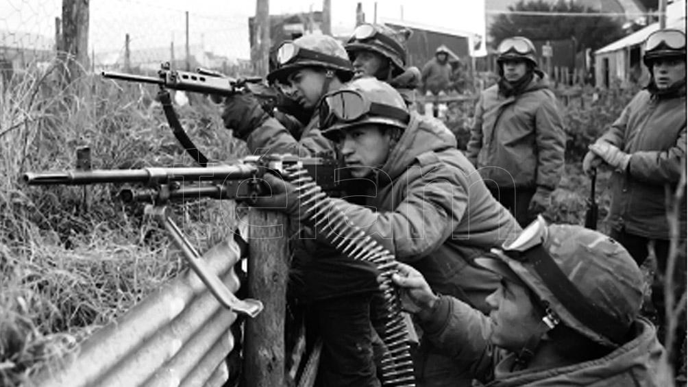 Los jóvenes combatientes que fueron llevados por la junta militar a una guerra absurda.