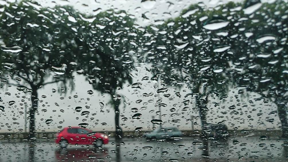 """En el este de la provincia rigen dos alertas amarillas por """"lluvias algunas localmente fuertes""""."""
