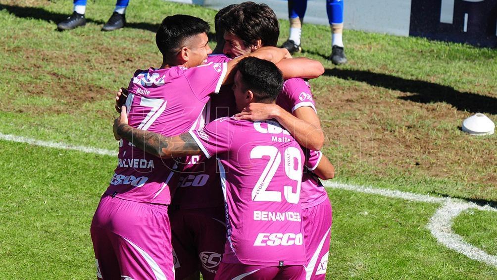 Arsenal fue efectivo en Mendoza.
