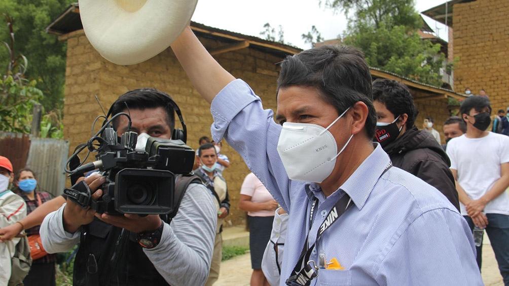 """""""Hoy el pueblo peruano se acaba de quitar la venda de los ojos"""", dijo Castillo, un profesor y sindicalista de 51 años."""