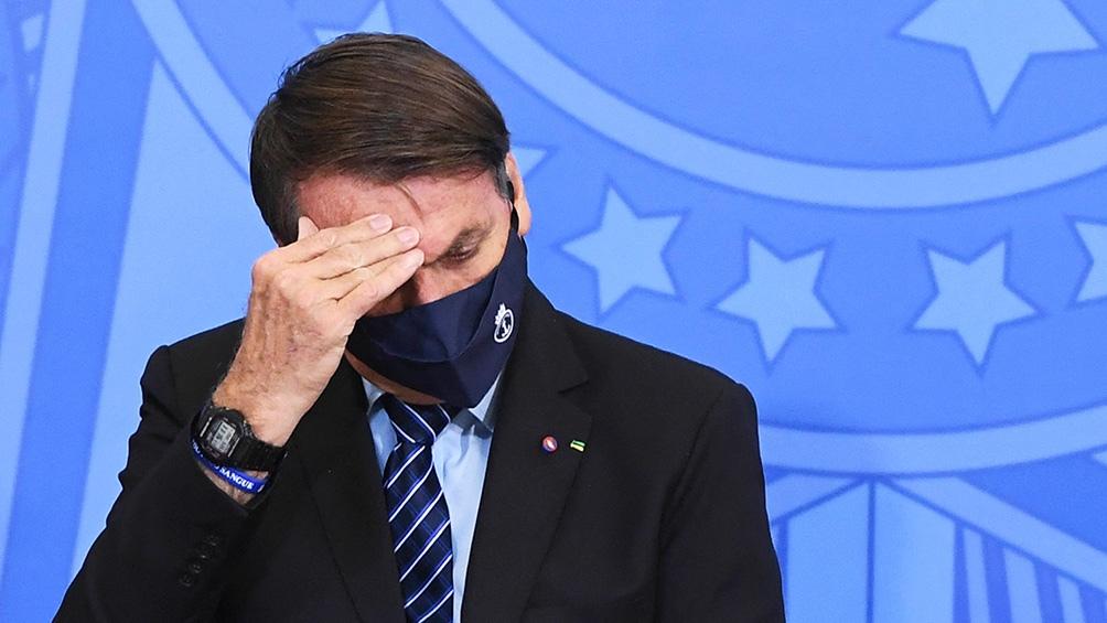 Bolsonaro no le encuentra salida a la crisis sanitaria