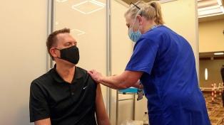 La Universidad de Oxford amplía su estudio para mezclar más vacunas contra el coronavirus