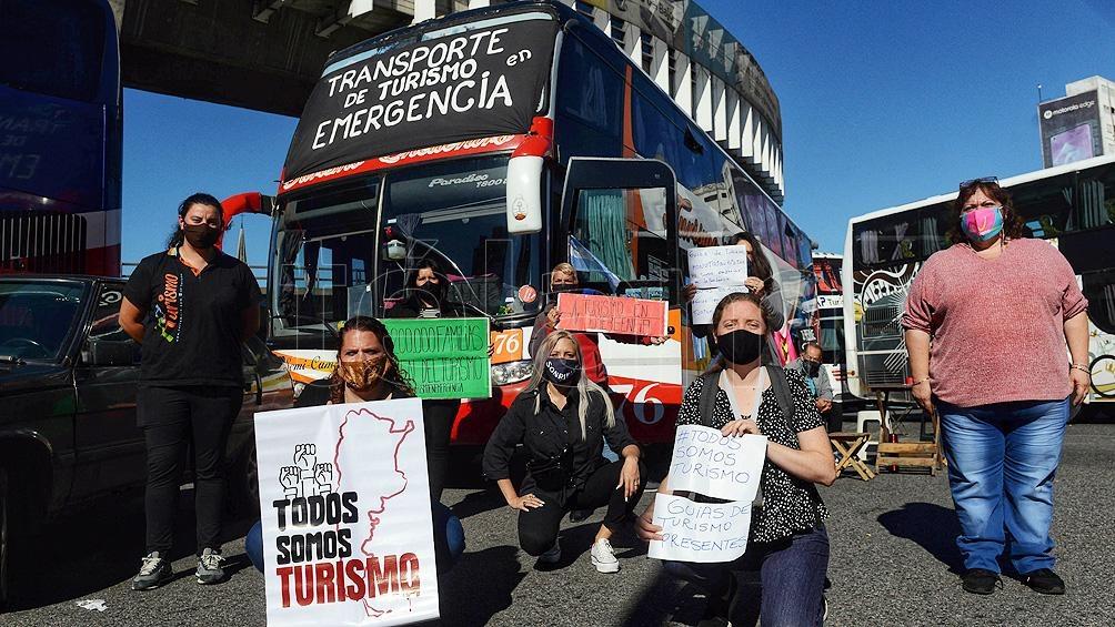 EL sector del transporte turístico realizaba medidas de fuerza ante las restricciones