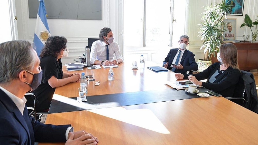 El jefe de Gabinete, Santiago Cafiero, encabeza esta tarde una reunión de ministros en Casa Rosada