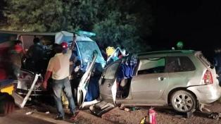 La Rioja: nueve muertos al chocar una ambulancia y un automóvil