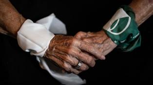 Una muestra fotográfica homenajea a las Madres y Abuelas de Plaza de Mayo