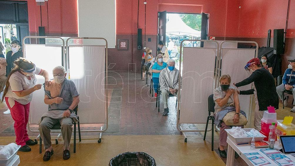 Quirós dijo que la vacunación a los mayores de 60 años se completará en los primeros días de la semana.