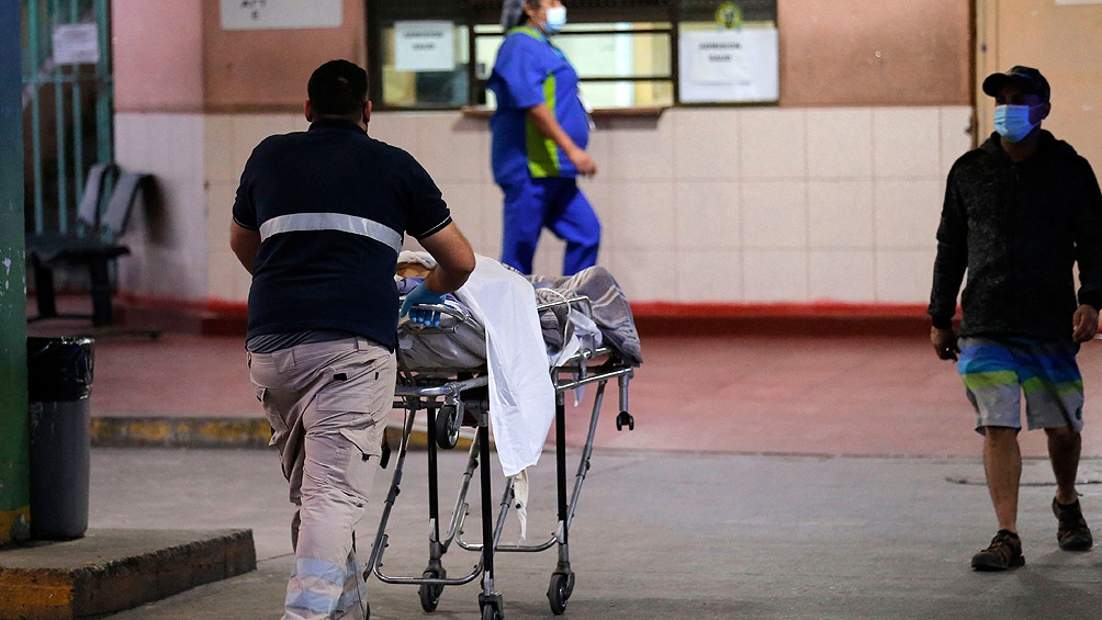 Chile vive una creciente crisis en su sistema hospitalario