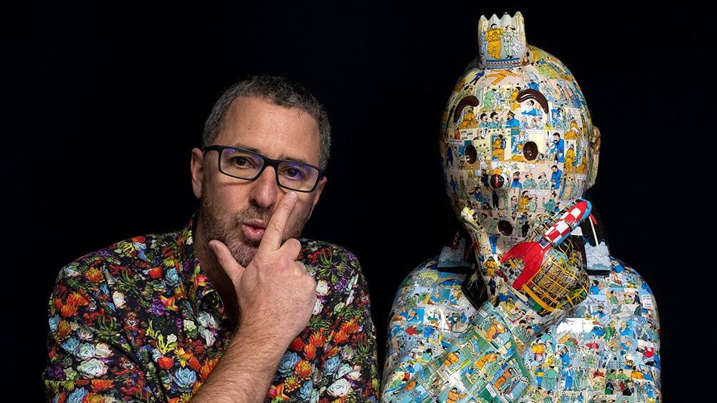 El artista, que vive en Aix-en-Provence (Francia), trabaja con resina y fibra de vidrio laminada reproduciendo personajes de cómics.