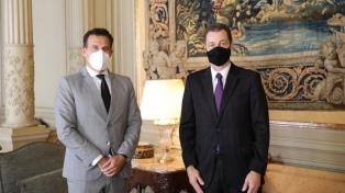 Chaves analizó con el embajador de Brasil la agenda del Mercosur y la pandemia en la región