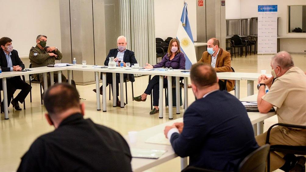 La ministra se reunió este jueves con los jefes de las cuatro fuerzas de seguridad federales, con quienes diseñó los nuevos operativos.