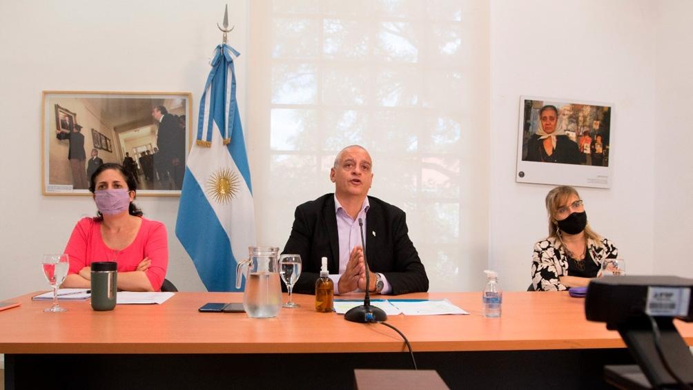 El coronavirus origina crisis políticas en Chile y Brasil mientras China enfrenta un rebrote
