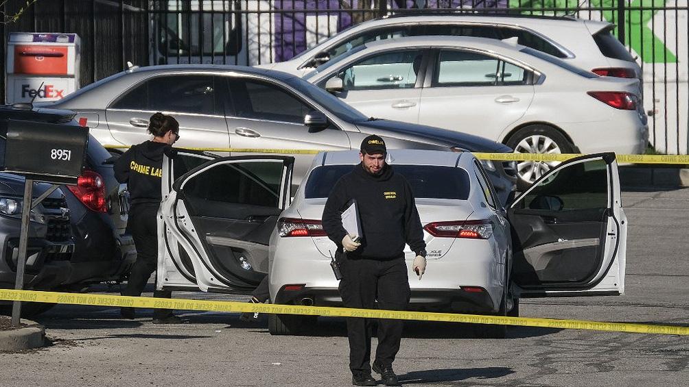 """""""Tras escuchar los disparos vi un cuerpo en el piso"""", señalóTimothy Boillat, empleado de la planta en la que trabajan unas 4-000 personas."""