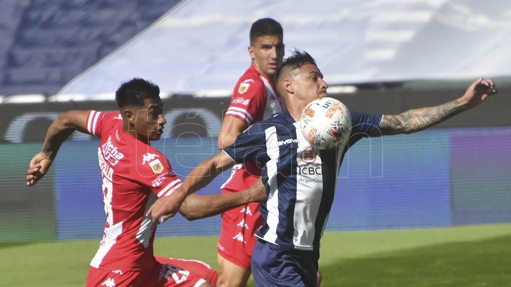 "Talleres venció al ""Tatengue"" con goles de Fragapane, Tenaglia y Guilherme Paredes"