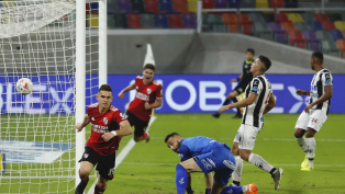 River goleó a  Central Córdoba y se acomodó en la tabla