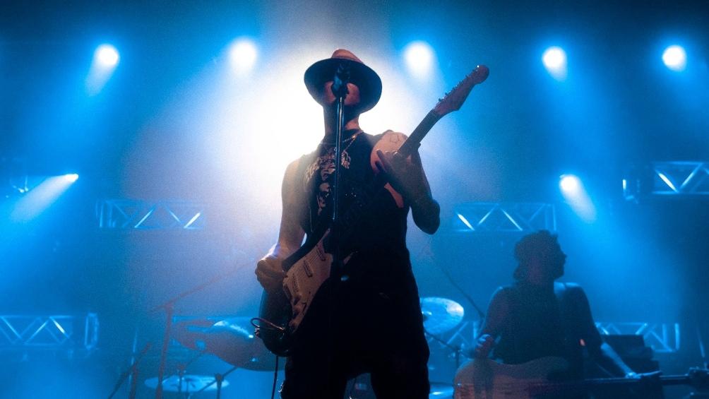 Tomás Manuel Campos, mejor conocido como C.R.O., es un rapero argentino de 22 años.