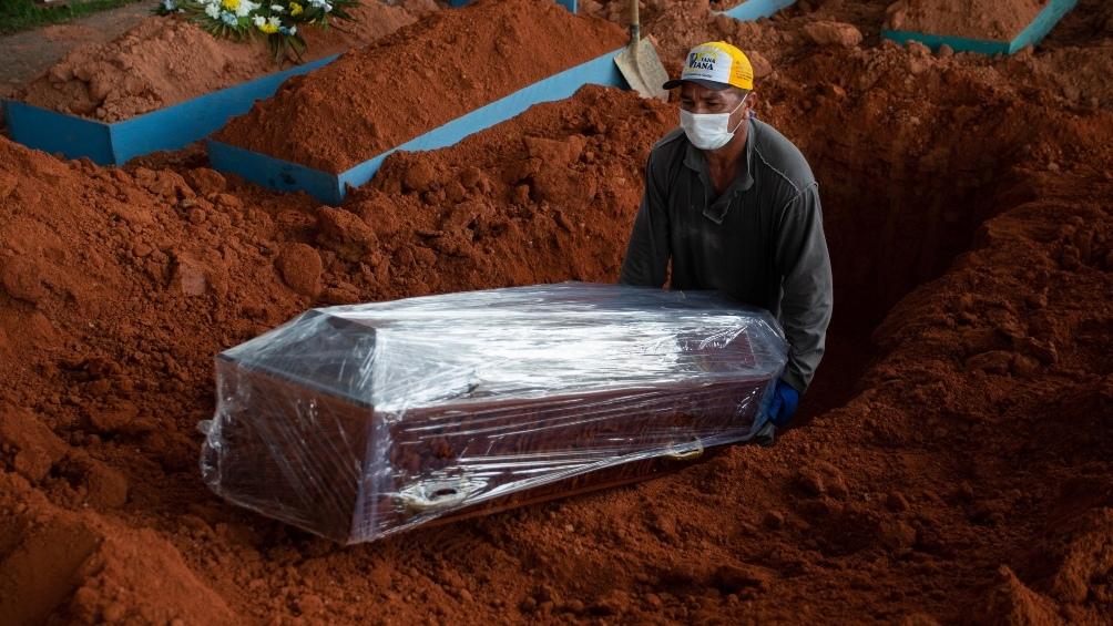 Brasil: Más de 13 millones de personas se contagiaron y más de 368.000 murieron por la enfermedad.
