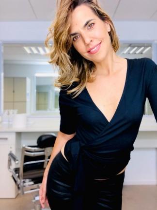 """Florencia Scarpatti presenta el podcast """"Abro libro"""", la continuidad de """"Abro hilo""""."""