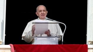 """El papa Francisco calificó de """"vergüenza"""" la desaparición de 130 migrantes en el Mediterráneo"""