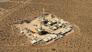 A un año de sus mínimos históricos, el petróleo busca un rumbo con precios en alza