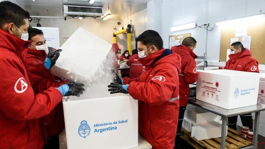 El Ministerio de Salud de la Nación comenzó hoy el proceso de distribución de 799.000 vacunas de AstraZeneca
