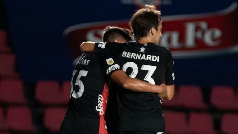 Colón y Talleres se enfrentan en Santa Fe por los cuartos de final