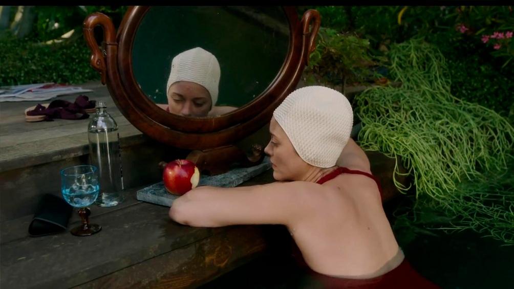 Marion Cotillard en el filme de Carax