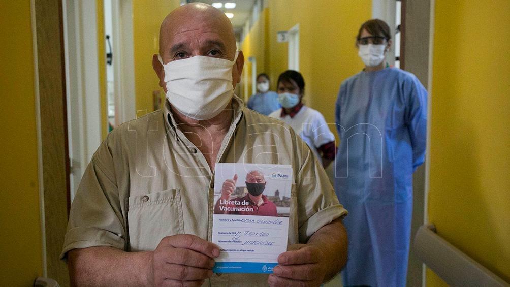 ya se aplicaron casi 55.000 vacunas en 1.800 residencias de larga estadía bonaerenses.