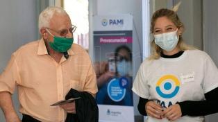 PAMI vacunó más de 10.000 adultos mayores contra el coronavirus en sus centros porteños
