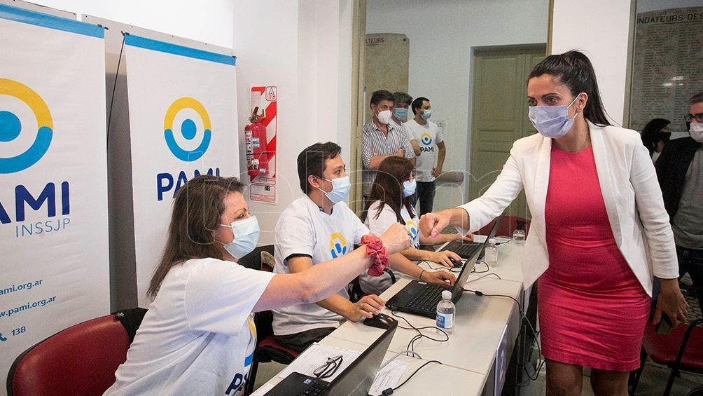 En los vacunatorios del PAMI se podrán inmunizar de lunes a lunes unas 400 personas por día