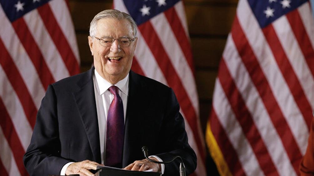Mondale fue reconocido en su labor por distintos líderes del país.