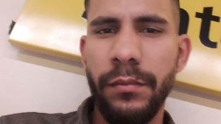 Buscan a un barbero venezolano acusado de asesinar a su pareja en Flores