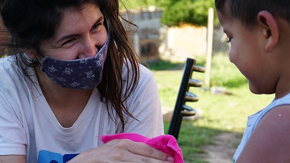 Módulo sanitario repartió kits de higiene con lavandinas, jabones y alcohol en gel.