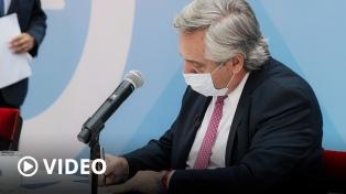"""Fernández promulgó la reforma de Ganancias: """"Estamos resolviendo el poder adquisitivo de más de un millón de trabajadores"""""""