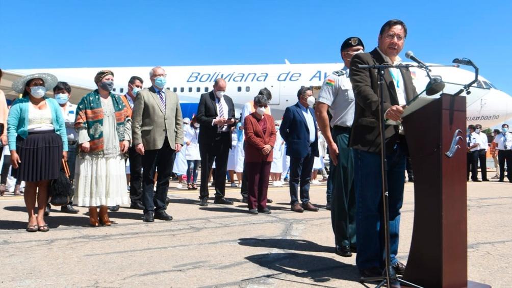 Llegan a Bolivia 400.000 dosis de la vacuna Sputnik V - Télam - Agencia  Nacional de Noticias
